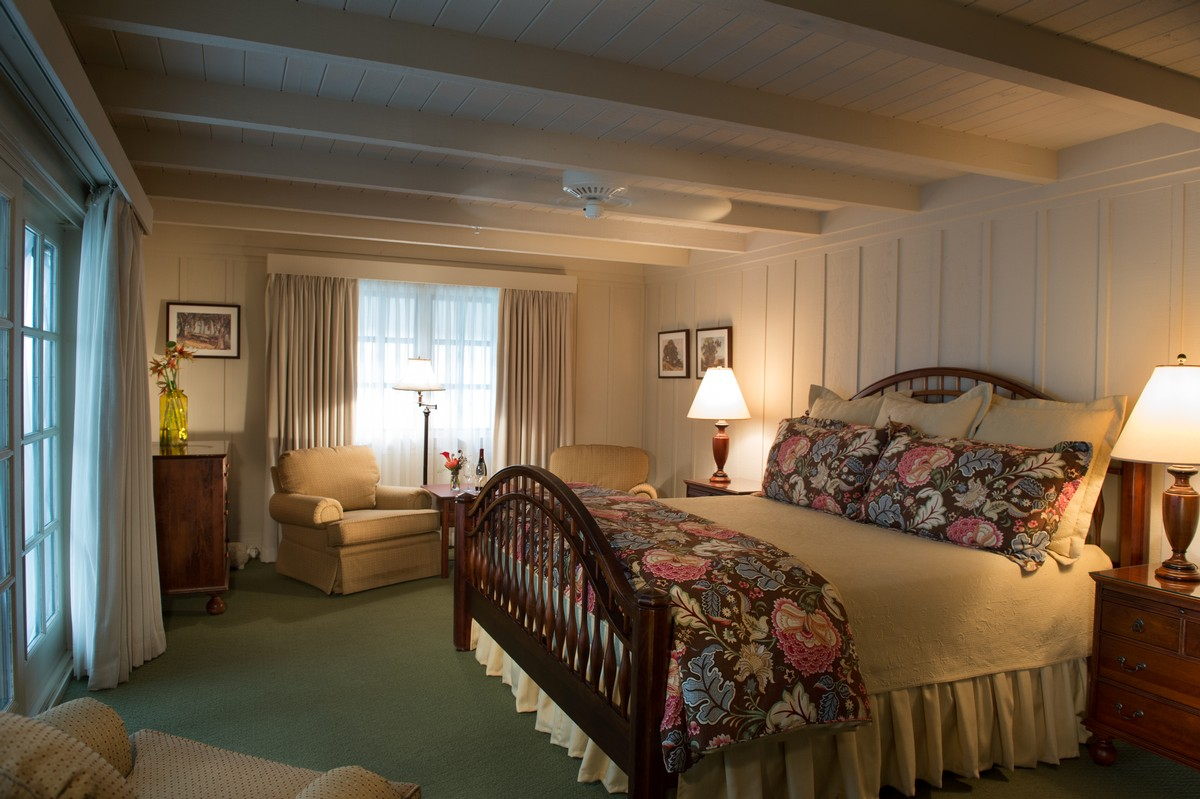 Accommodations - Our Rooms (Mission Ranch Hotel and Restaurant ...